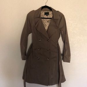 Cynthia Rowley Taupe Trench Coat / Size Small